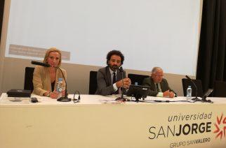 Educa2020 en la Universidad San Jorge de Zaragoza. El programa desarrolló un acto con una centena de estudiantes en la que participó la empresaria Pilar Andrade y el presidente de AJE Aragón