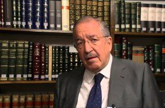 Julio Iglesias de Ussel: La Universidad, en un contexto hostil