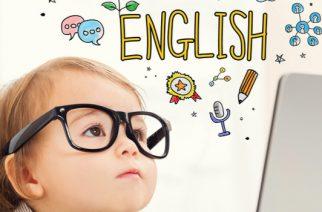 ¡Este niño aprende inglés volando!
